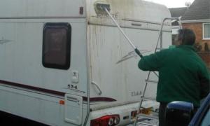 Caravan wassen – Zo doet u dat